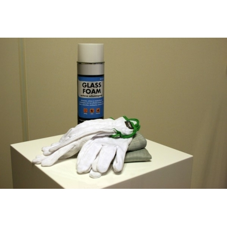 cleaning set for glass or acrylic plinth or display case