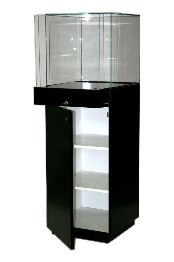 Showcase plinth black