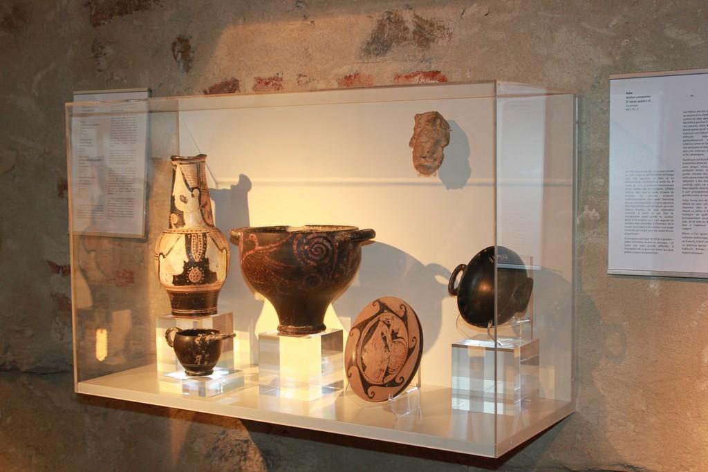 Wall display Bastia
