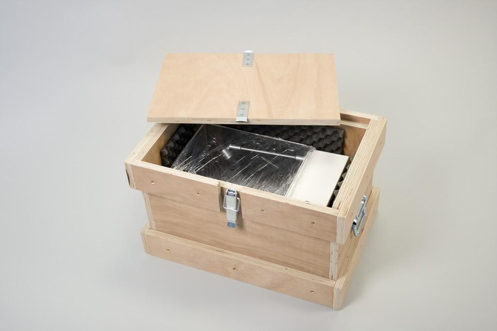Heavy duty transport chest